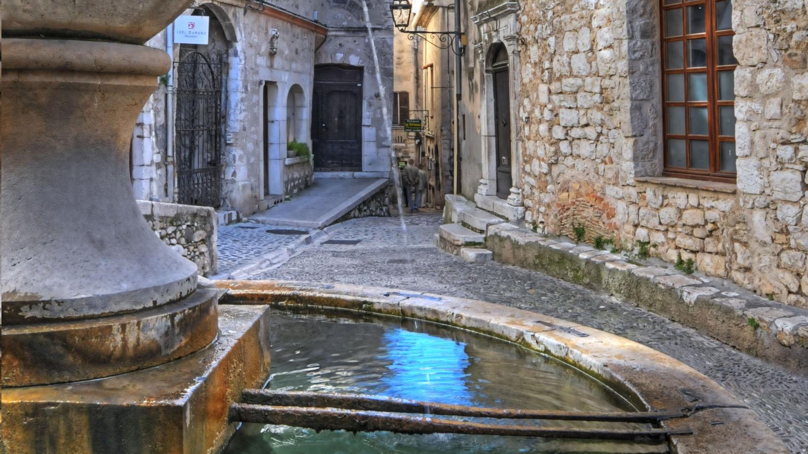Of precious stones and water saint paul de vence - Saint paul de vence office du tourisme ...